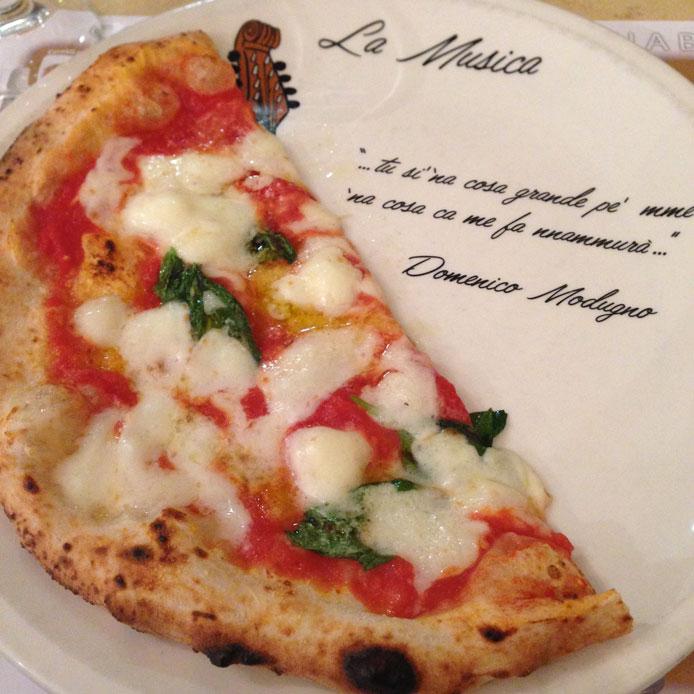 Pizzaria La Notizia Margherita Enzo Coccia