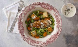 Caesar Salad: tutto quel che c'è da sapere sull'insalata più famosa