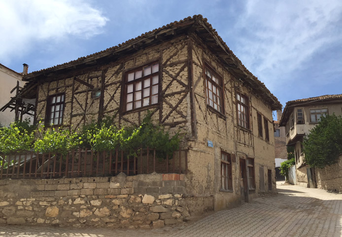 case ottomane elmali