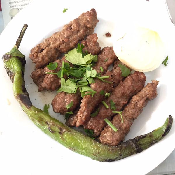 sis kebab elmali