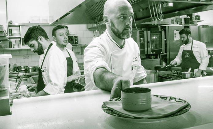 chef e brigata ristorante Il Tino e QuarantunoDodici